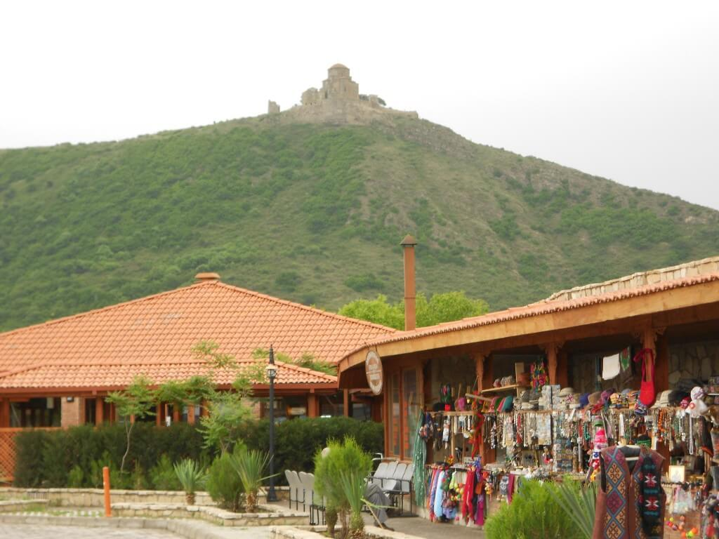 ジュヴァリ大聖堂 ムツヘタ 丘の上