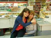 今日の美女 トビリシ スーパーマーケットの女の子