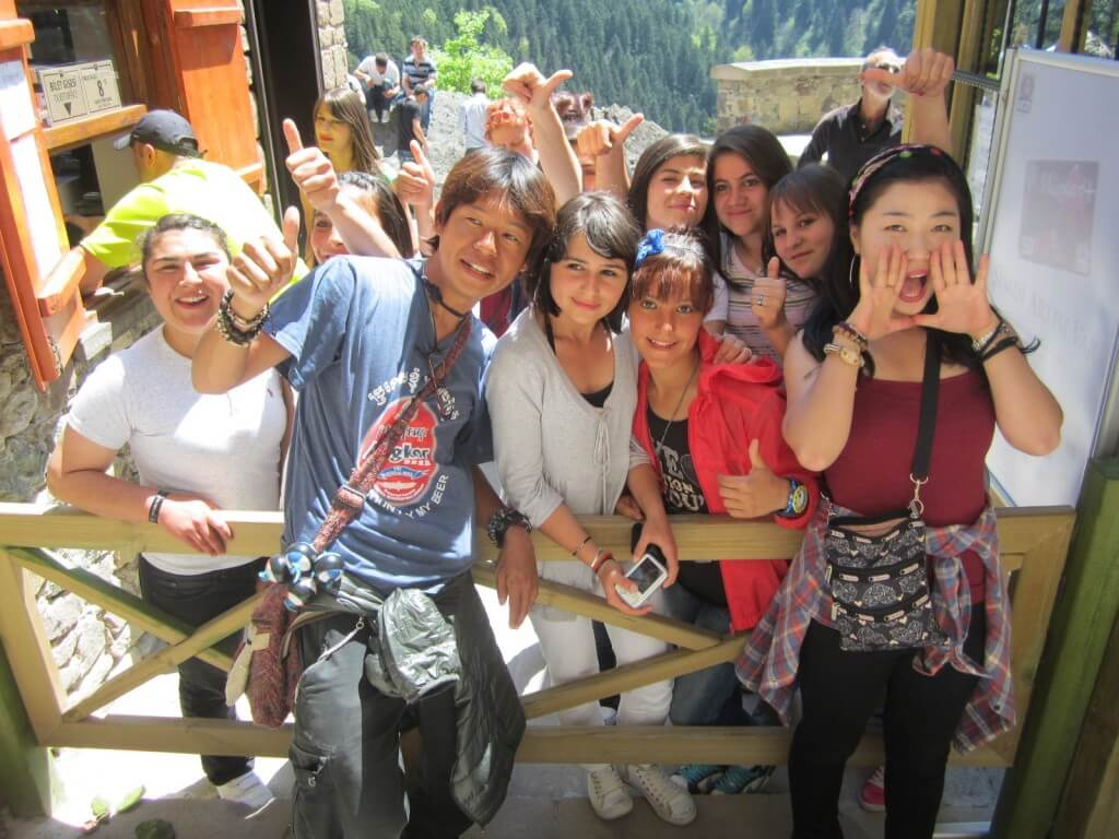 スメラ僧院でもスターになれる日本人と韓国人