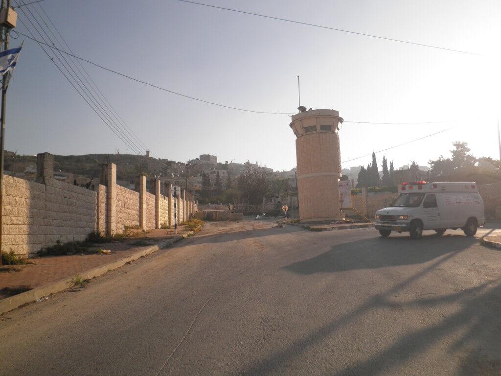 パレスチナ自治区 ヘブロン 監視 イスラエル兵士