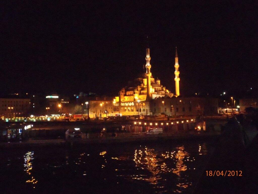 イスタンブール ブルーモスク ライトアップ キレイ