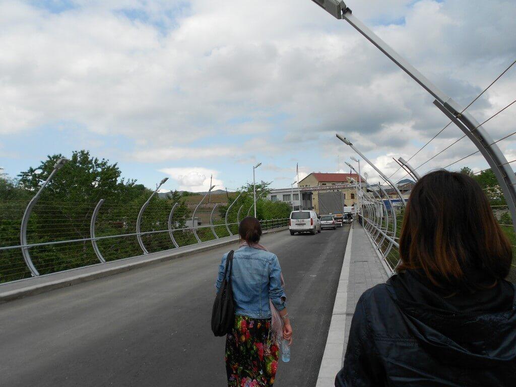 グルジア アルメニア 国境 バス