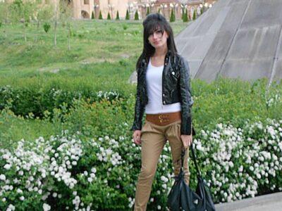 今日の美女 アルメニアの親子の女の子