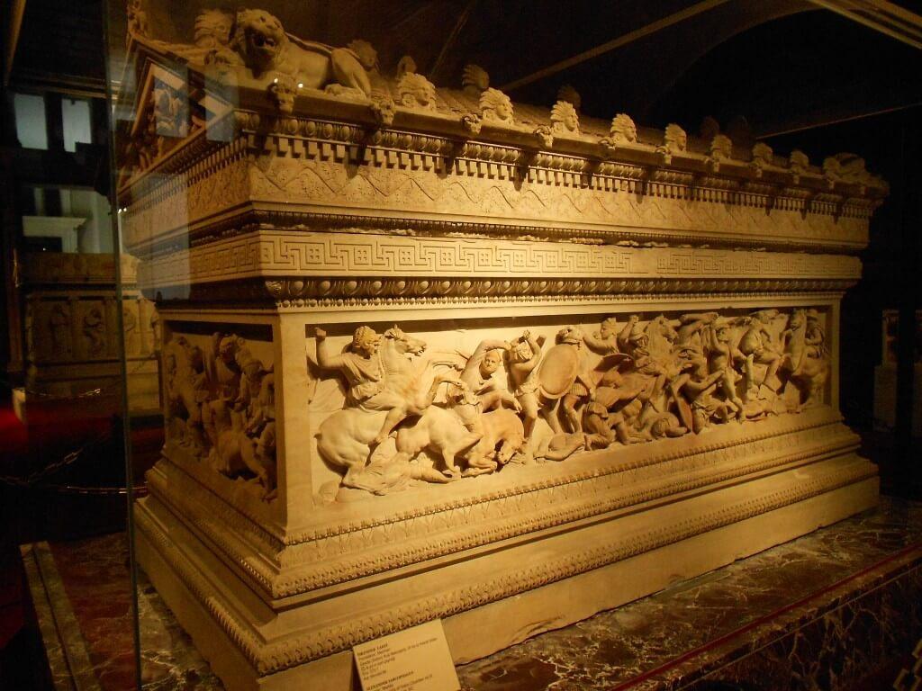アレキサンダー大王の石棺 イスタンブール考古学博物館
