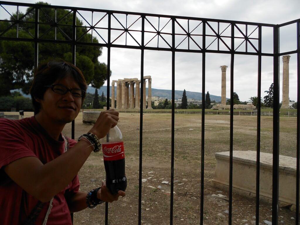 今日のコーラ 古代ギリシャ遺跡とコーラ