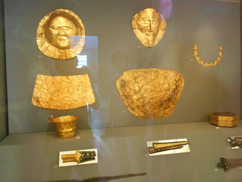アテネ ギリシャ神話の中心地。国立博物館