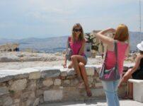 今日の美女 アテネのパルテノン神殿で撮影中のヨーロピアンの女の子