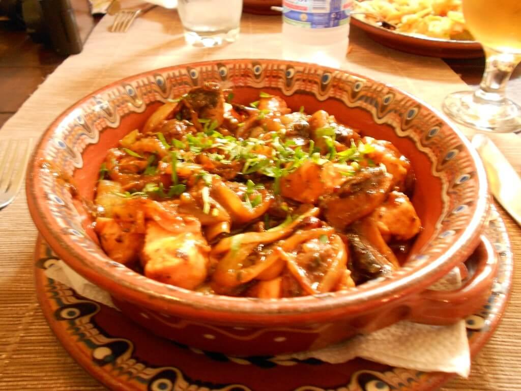 ブルガリア名物料理 カバルマ
