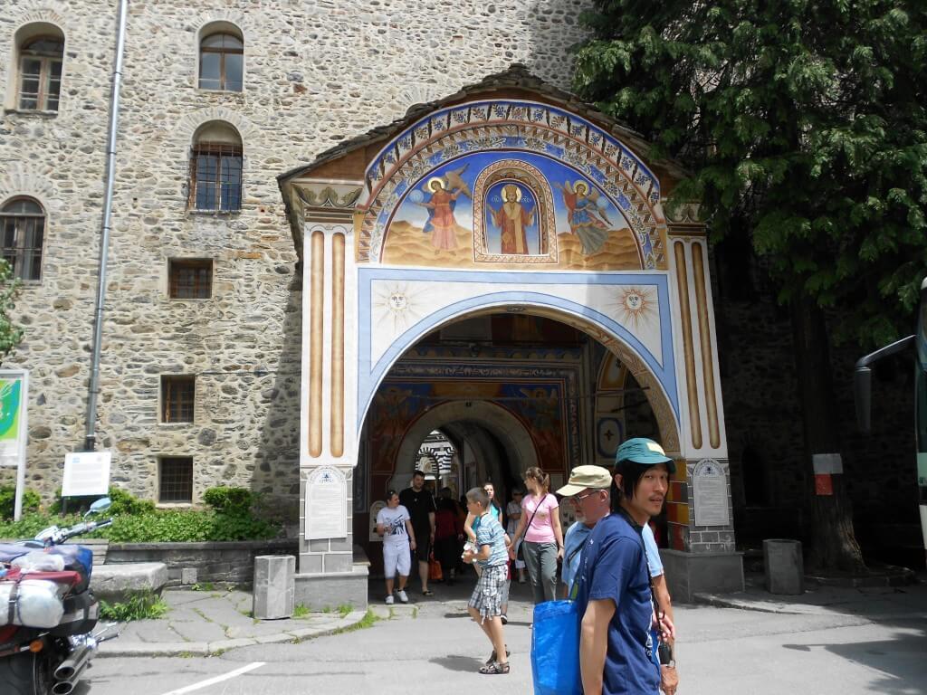 リラの僧院への行き方、値段の詳細はホステルモステルの情報ノート