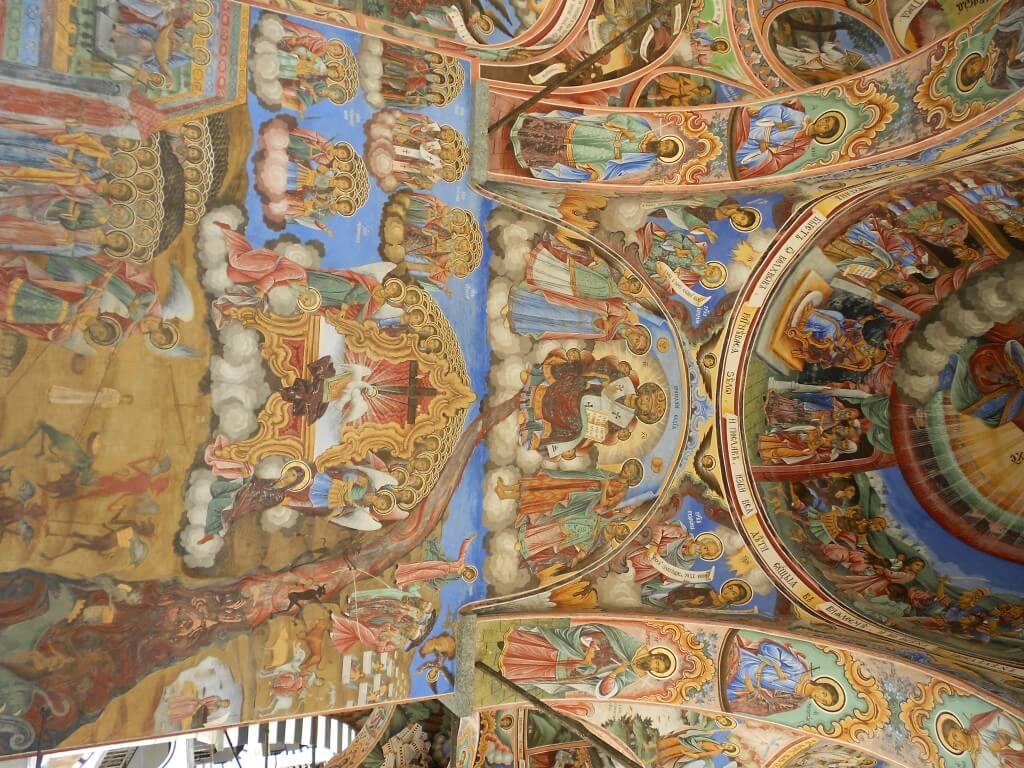 中は撮影禁止だからこれリラの僧院の外の部分の天井部分