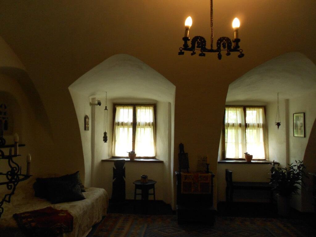 ブラショフ 観光 ブラショフに来たならば観光!! ブラン城 別名ドラキュラ城