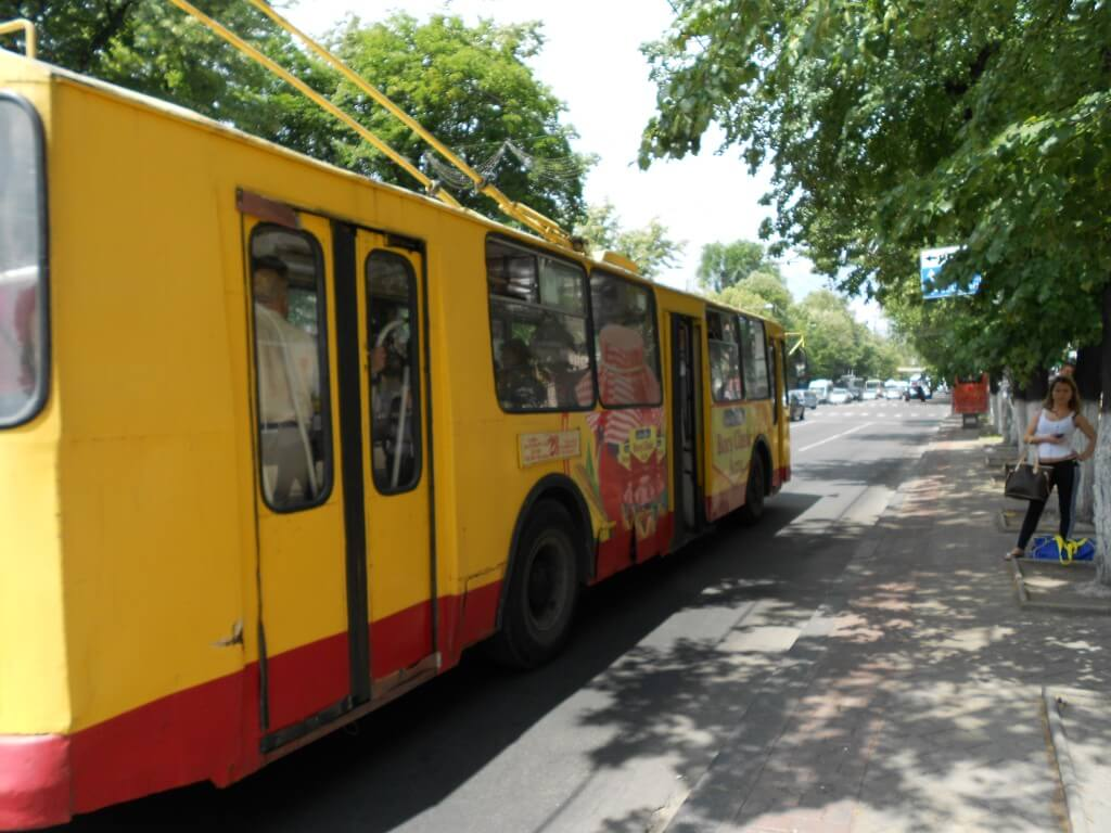 モルドバ キシナウ 路面バス