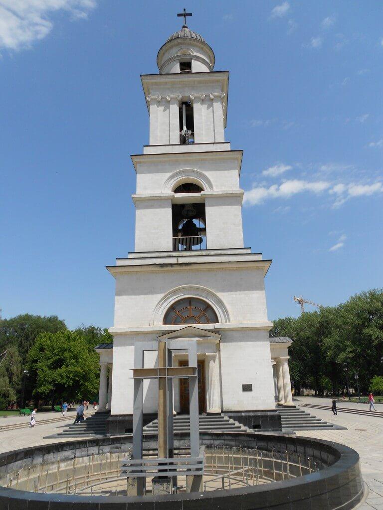 モルドバ 公園 塔