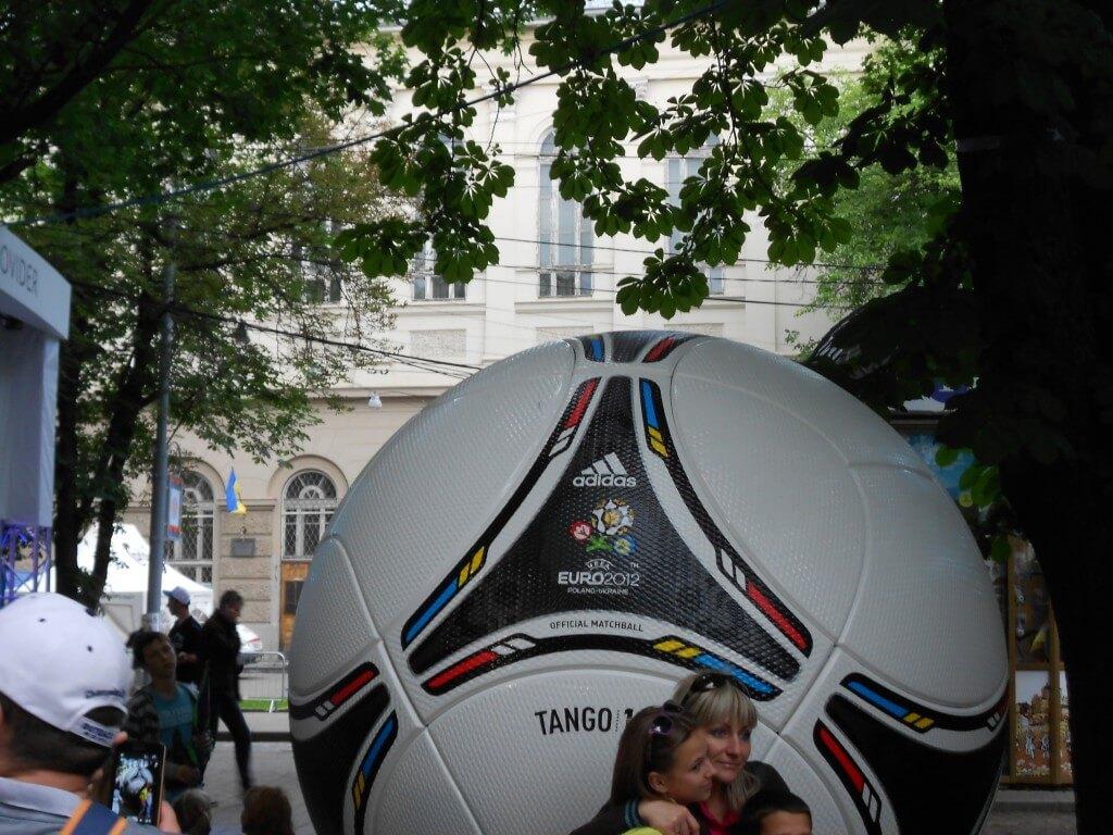 かわいい女の子 リヴィウ ウクライナ EURO2012