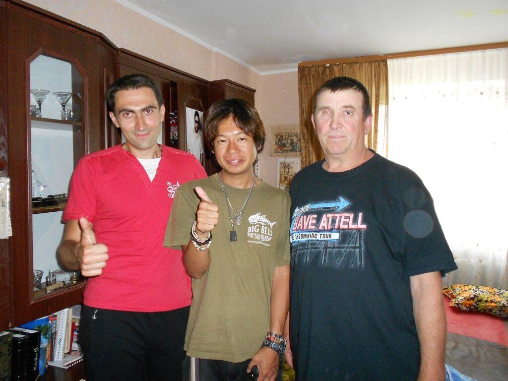 左からパーシャ、日本男児ボク、お父さん ジトミール ウクライナ