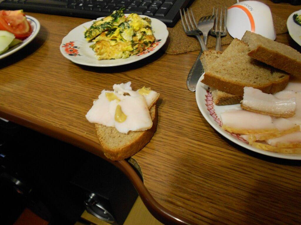 海外ホームステイ サロ ウクライナ名物料理 ジトミール