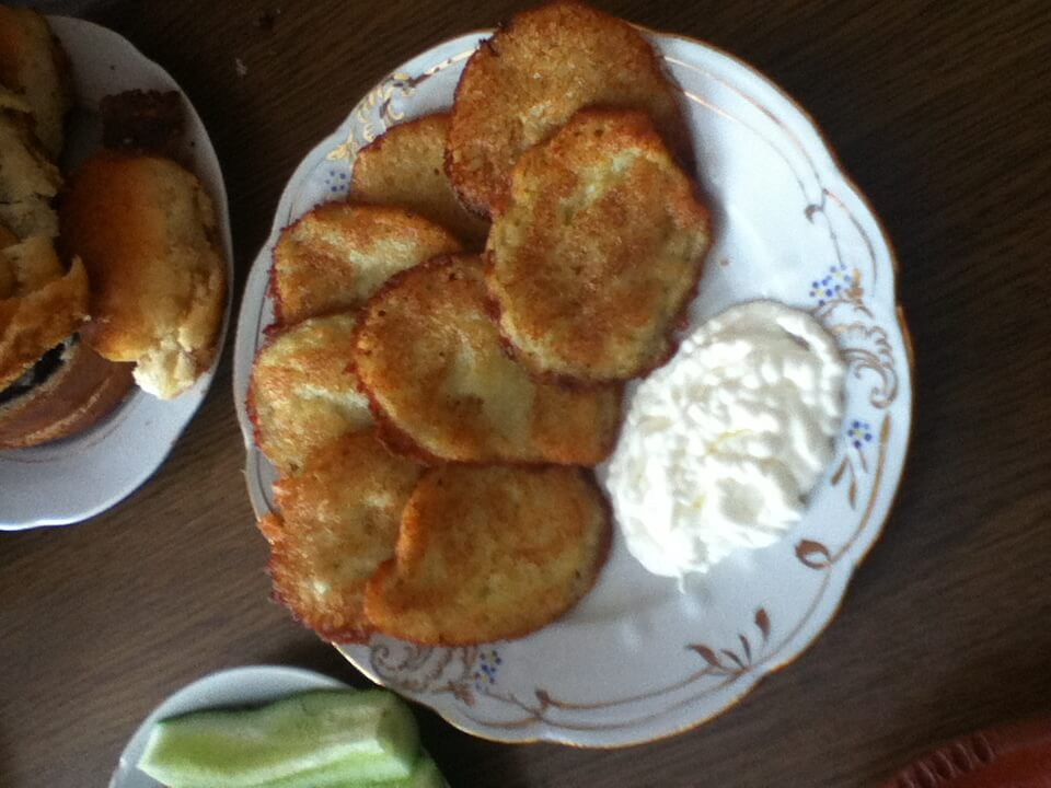 海外ホームステイ ジャガイモフライ ウクライナ名物料理 ジトミール