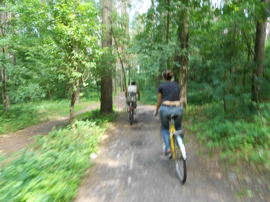 自転車でジトミールの街をハイキング!?アウトドアしますよ!!BBQしますよ!