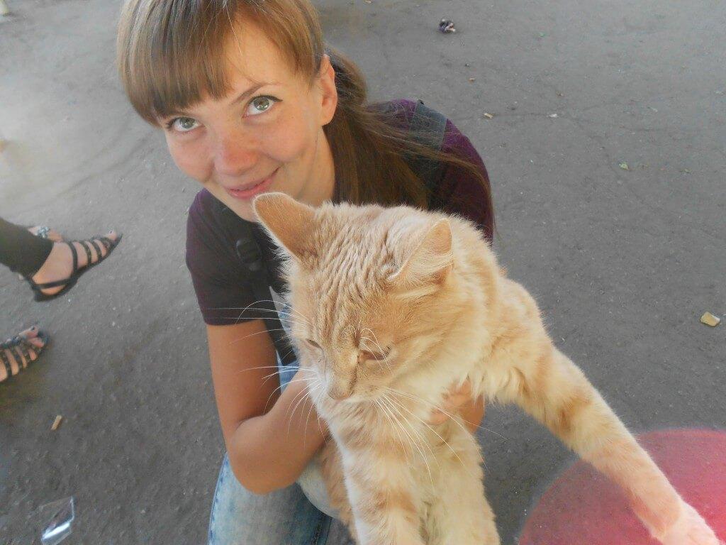 ターシャと猫 かわいいウクライナ人