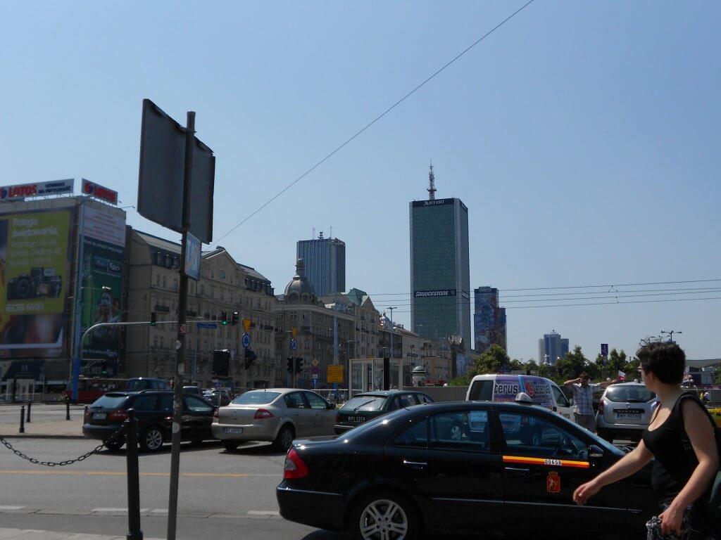 ワルシャワ 街並み 都会