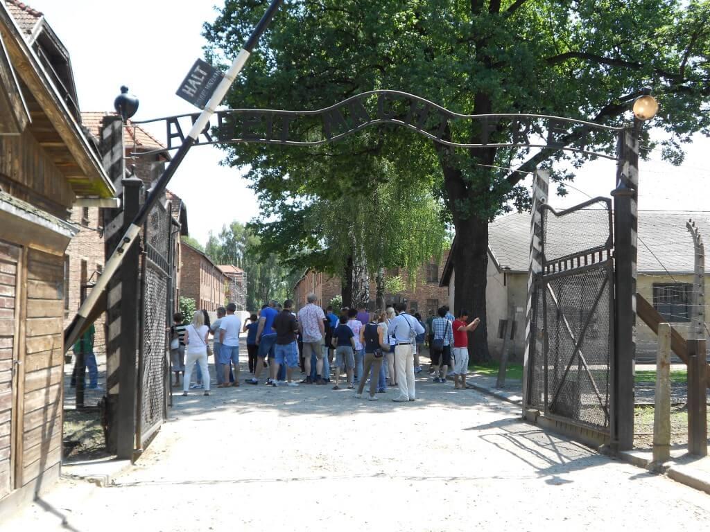 ポーランドにある「負の世界遺産=オシフィエンチム」またの名を「アウシュビッツ強制収容所」