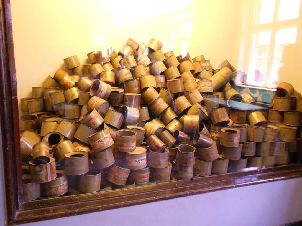 毒ガスの缶 アウシュビッツ強制収容所 クラクフ ポーランド