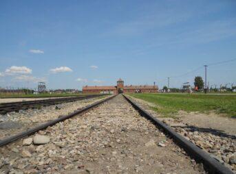 アウシュヴィッツ・ビルケナウ ナチス・ドイツの強制絶滅収容所 ポーランド オシフィエンチム