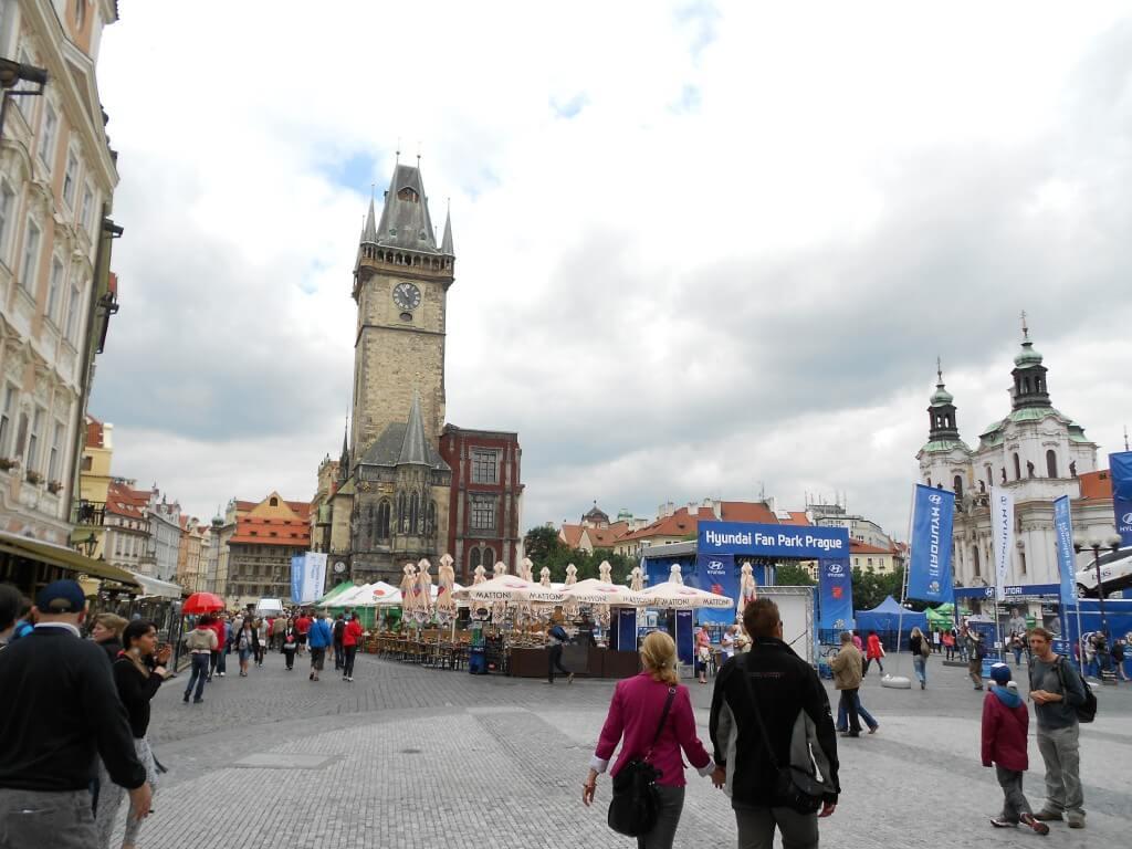 クラクフからプラハの行き方は?初めて行く人が絶対行きたいカレル橋の観光まとめ