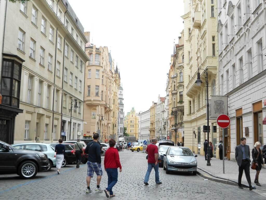 プラハ 街並み おしゃれ