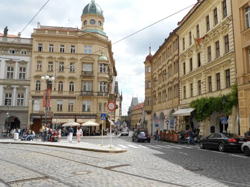 プラハの街並み おしゃれ