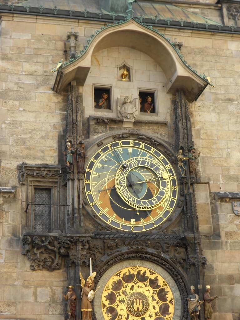 プラハ 旧市街広場 からくり時計 ドクロ