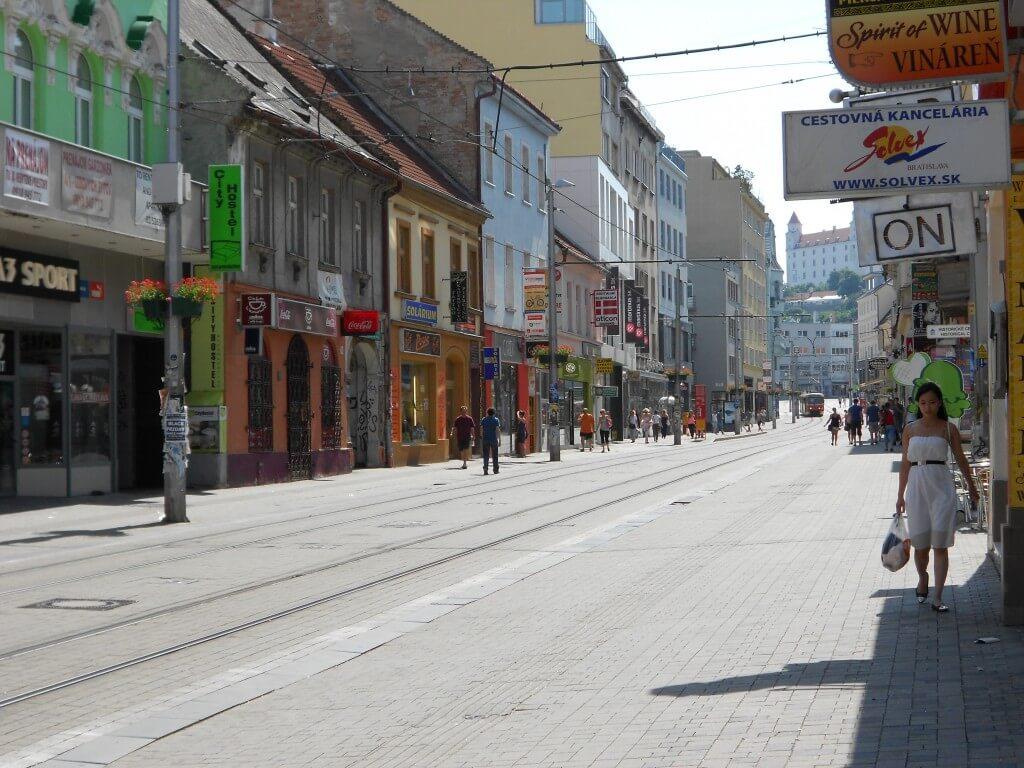 ブラスチラバ トラム 路面電車 スロバキア