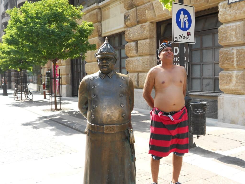 ブダペスト 裸の王様 ハンガリー