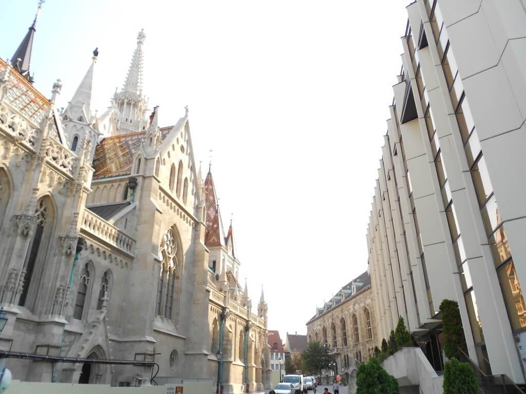 マーチャーシュ聖堂と三位一体広場 ブダペスト 王宮の丘