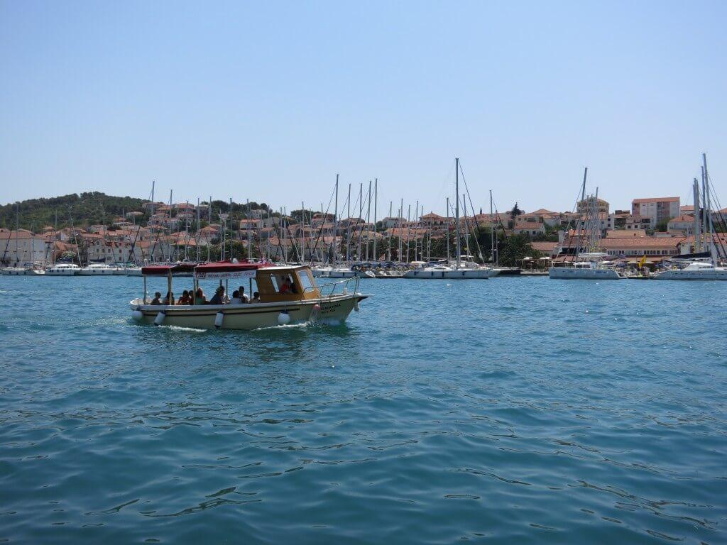 トロギール 地中海 クロアチア オレンジ屋根の街並み