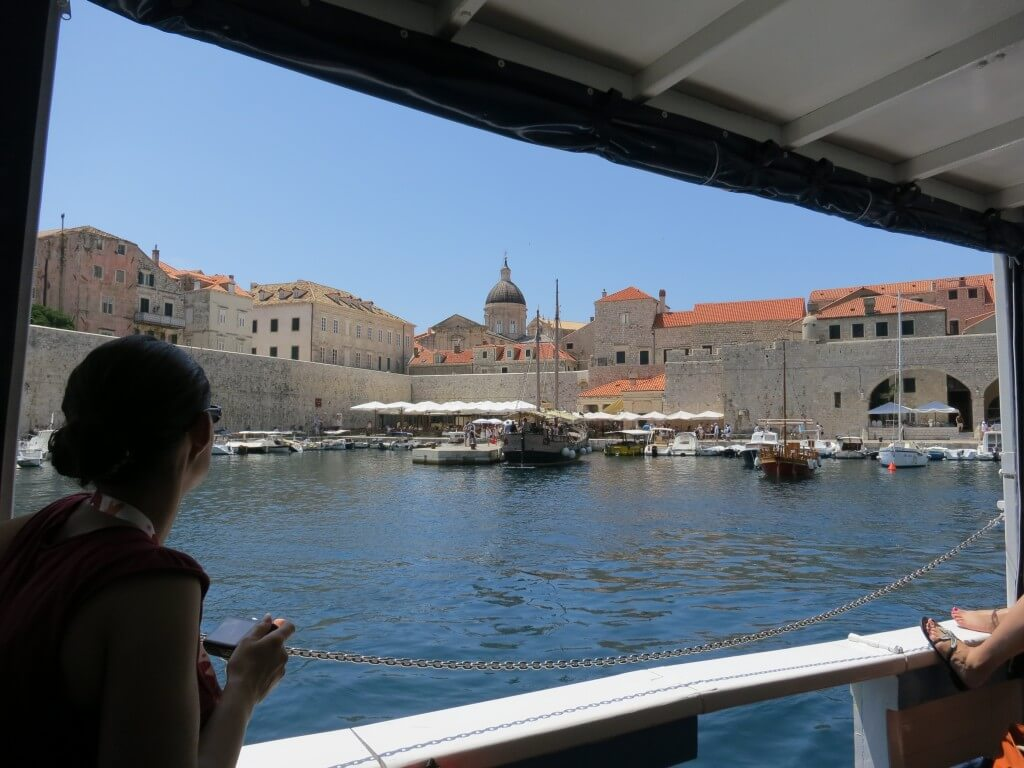 フェリー 船 ロクルム島 ヌーディストビーチ クロアチア ドブロブニク