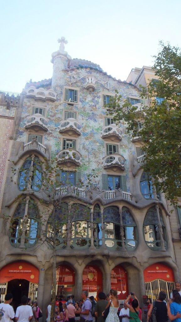 バルセロナ ガウディー作品群 「カサ・バトリョ」と「カサ・ミラ」