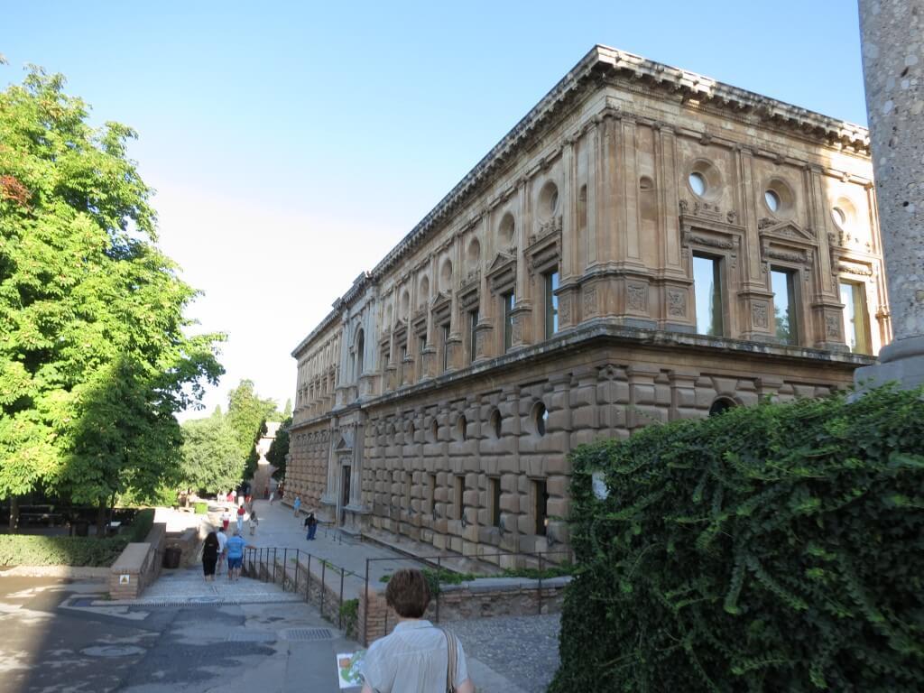 サンタ・マリア教会 カルロス5世宮殿 アルハンブラ宮殿 グラナダ