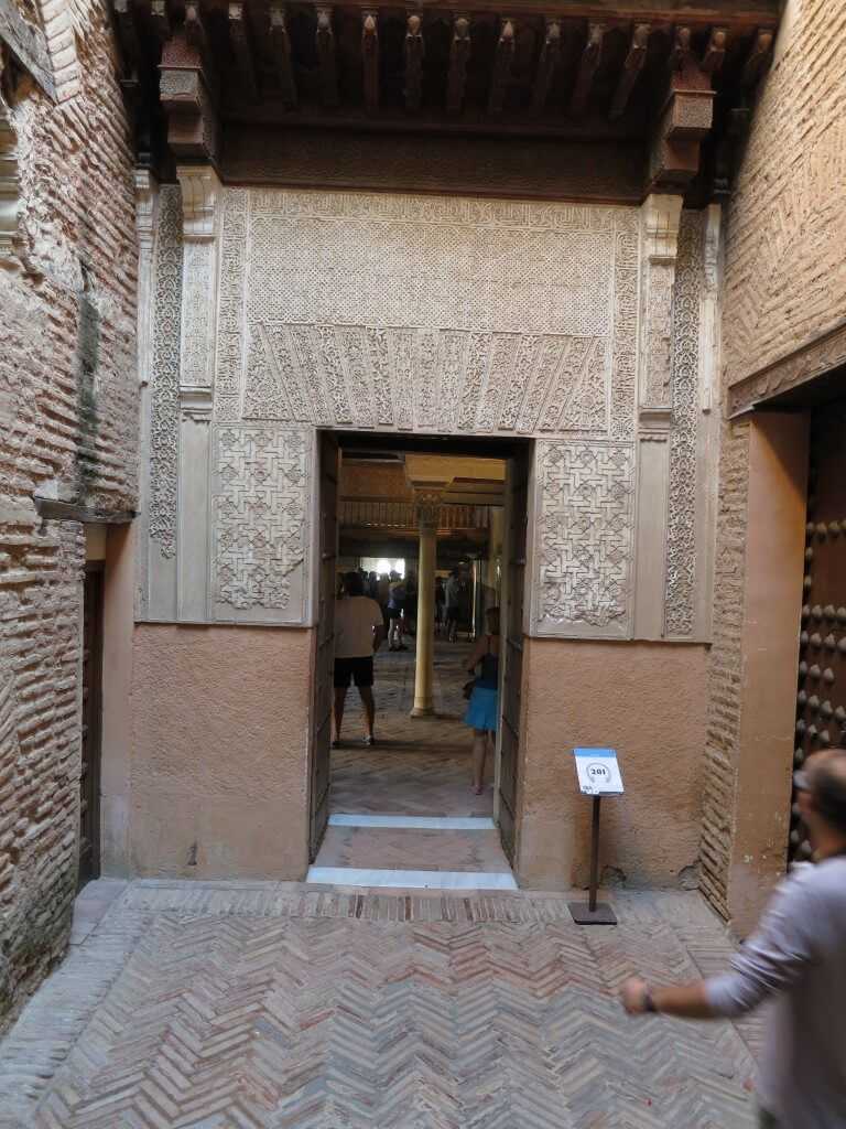 ナスル朝宮殿 アラビック模様 芸術 アルハンブラ宮殿 グラナダ