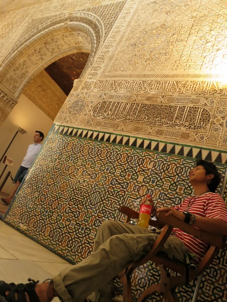 今日のコーラ アルハンブラ宮殿でかっこよく