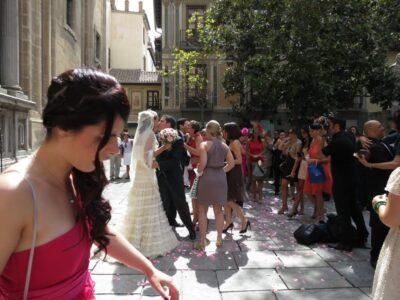 今日の美女 結婚式を挙げていたスペイン人カップルの美男美女