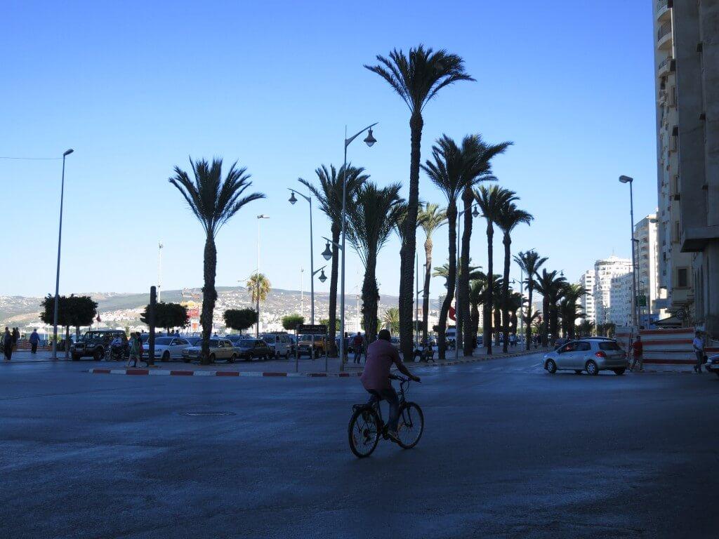 世界一周バックパッカーの間で言われる世界3大ウザイ国の一つ「モロッコ」なのに・・・。