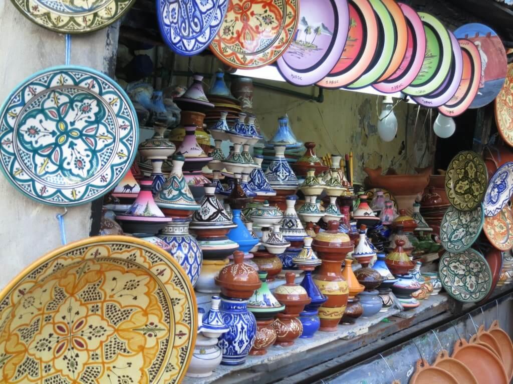 色んなタジンの器があるよ♪ モロッコお土産にお一ついかが?