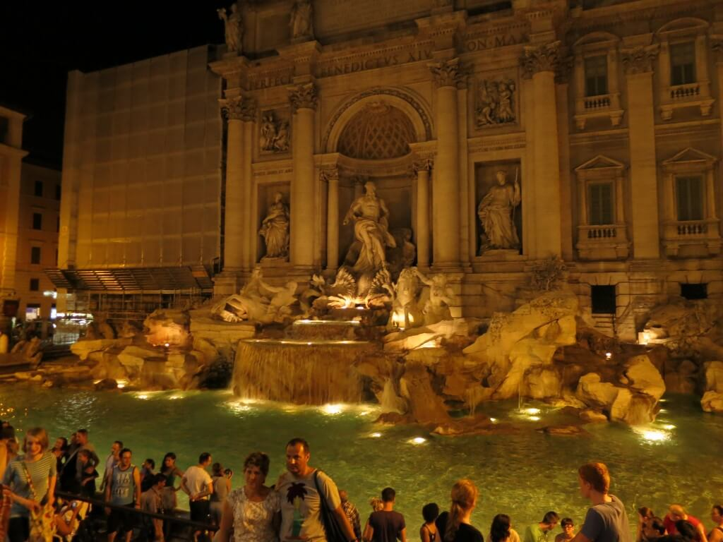 ローマにあるコイントスで願いを叶えろ!かの有名な「トレビの泉」Fontana di Trevi