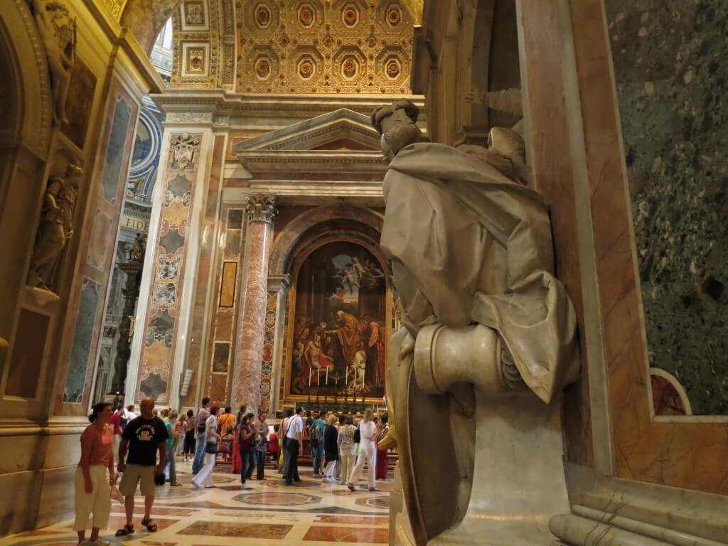 バチカン市国 サン・ピエトロ大聖堂 内部