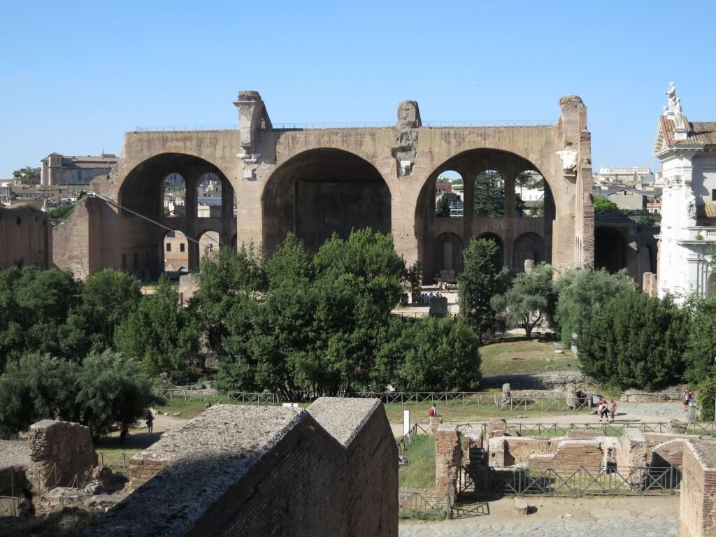 フォロ・ロマーノ ローマ 観光地