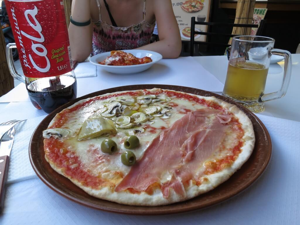 今日のコーラ イタリアのピッツァと