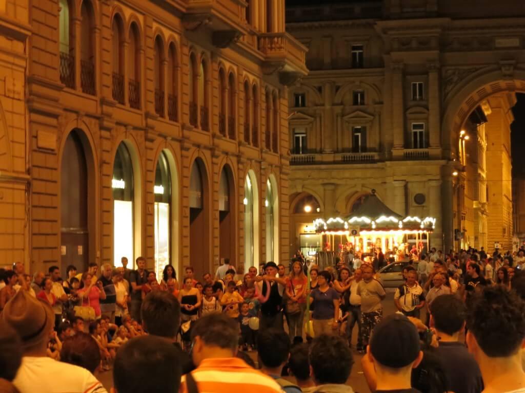 フィレンツェ 喜劇 イタリア 夜の観光