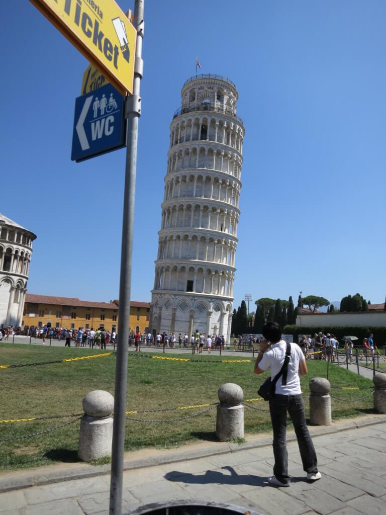 「ピサの斜塔」が3.99度傾いているっていうけど、どれくらいなの?実験するしかない!