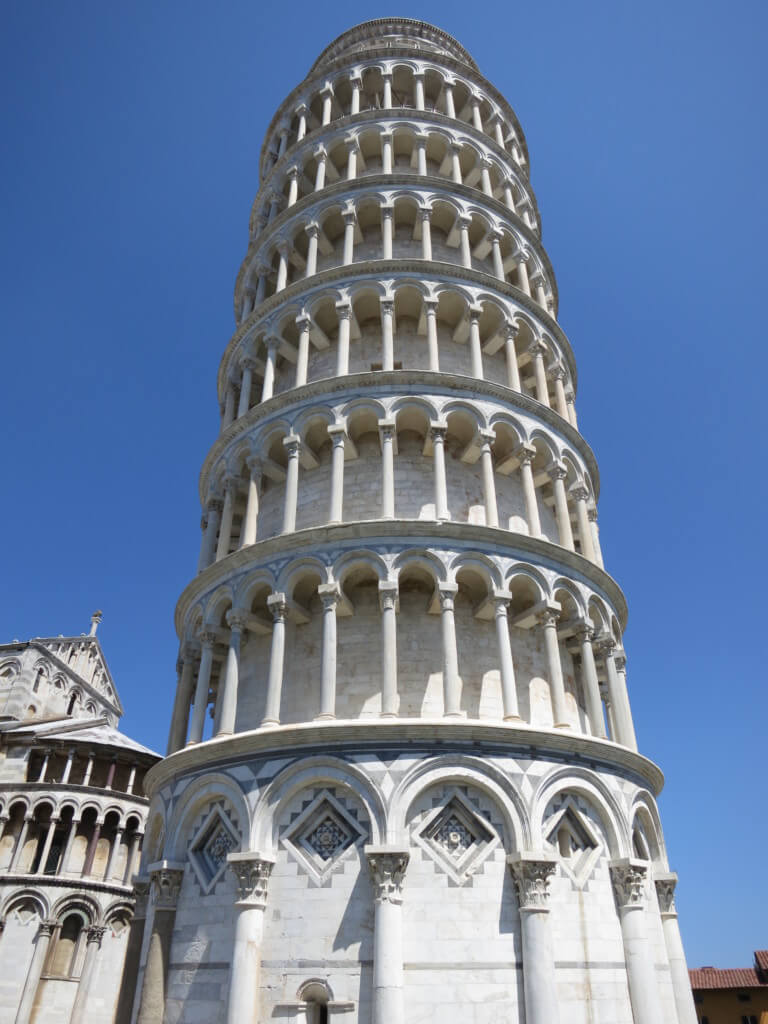 ピサの斜塔の謎!?なぜ傾いているのか?どれくらいの角度傾いているのか!?